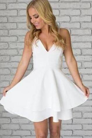 White Prom Dresses & Gowns - Luulla